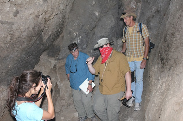 Jennifer Kielhofer photographing our excursion to the far end of Humboldt Cave.