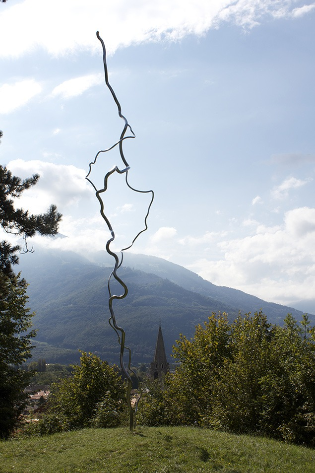 A sculptural version of lightning in the triennial Bex exhibition. Photo by Sara Frantz.